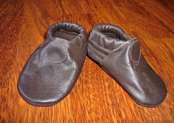 chaussons bébé en cuir souple